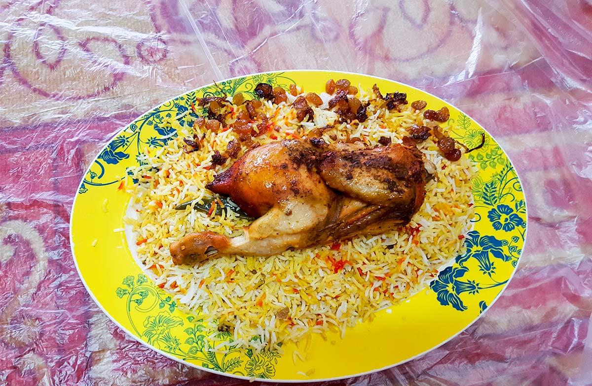 Dubai Essen - typisch arabisches Hühnchen mit Safranreis