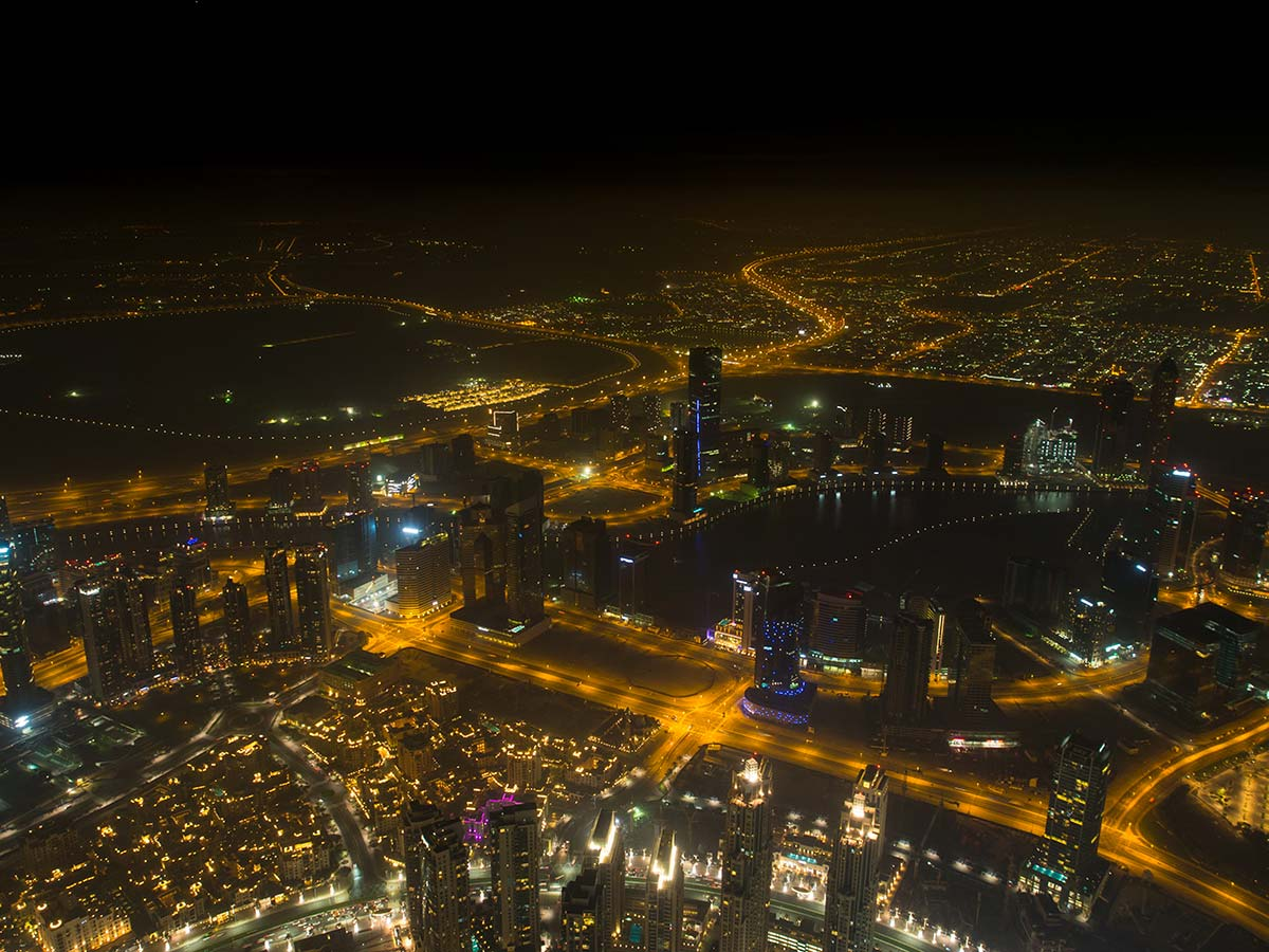 Burj Khalifa Aussichtsplattform At the Top bei Nacht