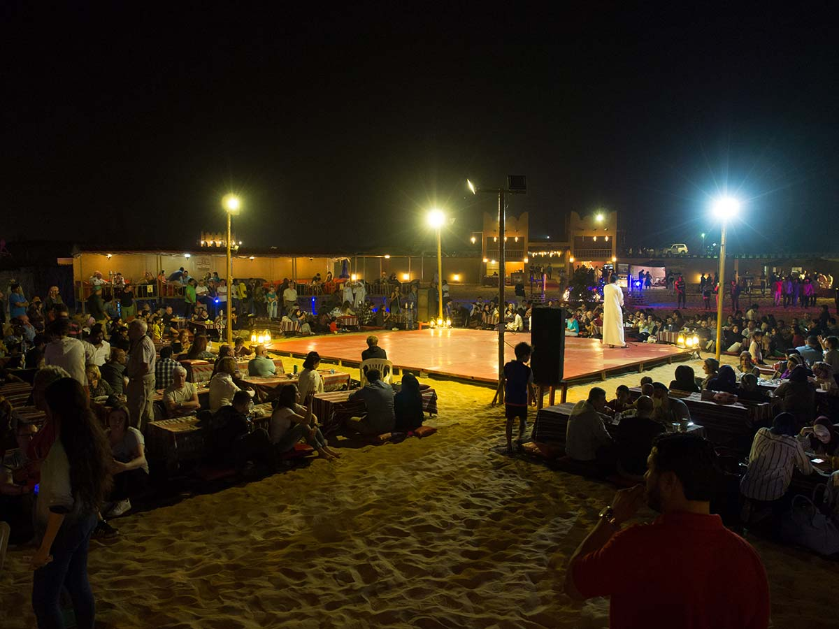 BBQ Dinner im Beduinenlager nach der Dubai Wüstensafari