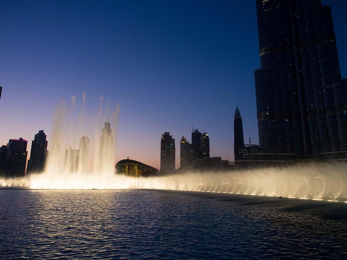 Dubai Fountain - Wasserspiele am Burj Khalifa