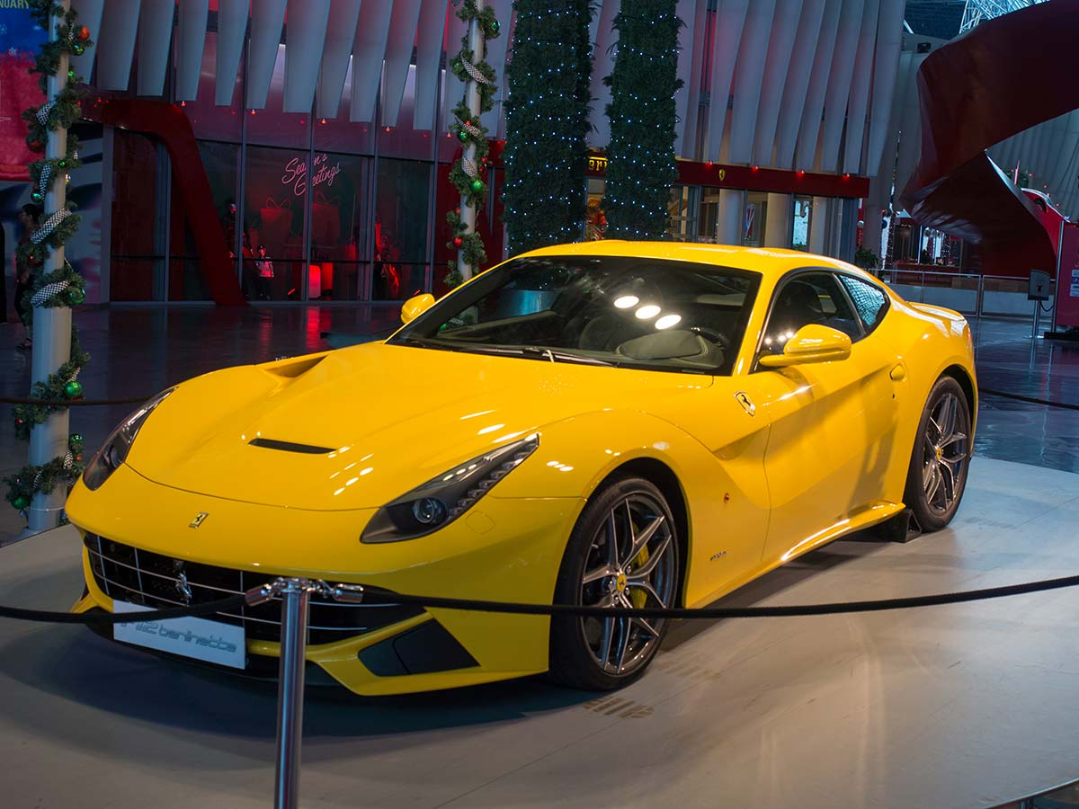 Ferrari Berlinetta in der Ferrari World - leider aus Plastik